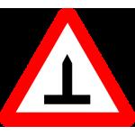 Transporto priemonė su dygliuotom padangom